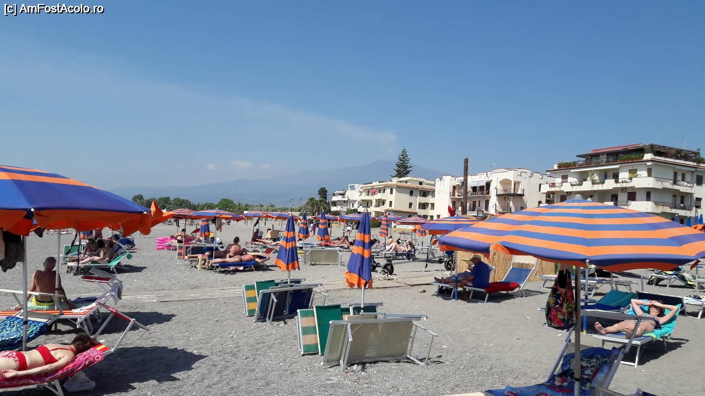 plaja giardini naxos ce pereche de periculoasă